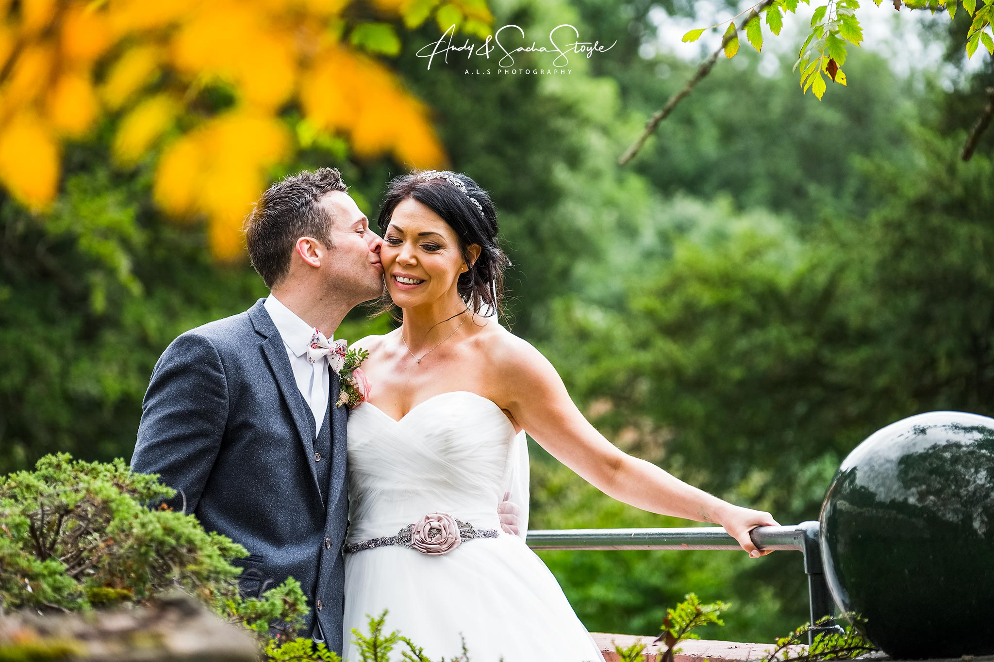 wedding photography caer llan